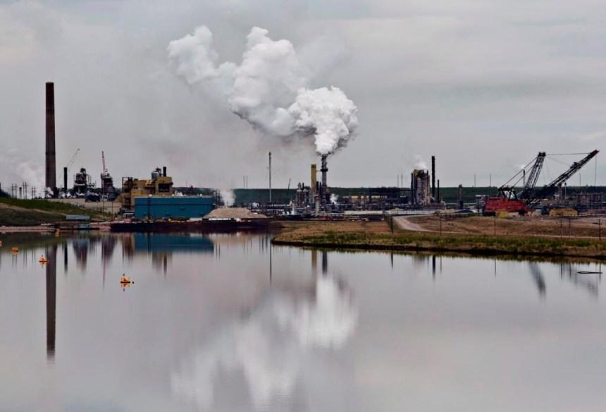 Les émissions de gaz polluants des sables bitumineux seraient sous-évaluées