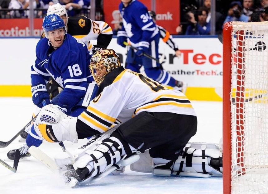 Les Maple Leafs battent les Bruins 3-2 et mènent la série 2-1