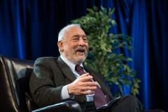 Inégalités: un «prix Nobel» d'économie louange le Québec pour ses politiques publiques