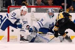 Les Maple Leafs viennent à bout des Bruins 2-1 et prennent les devants 3-2