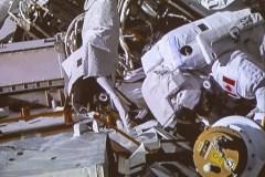 Une sortie dans l'espace épuisante pour l'astronaute David Saint-Jacques