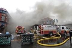 Les pompiers ont maîtrisé l'incendie au Marché By et enquêtent sur les causes