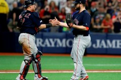 Betts et Moreland s'illustrent en fin de match et aident les Red Sox à l'emporter
