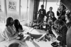Montréal célèbre les 50 ans du mythique bed-in Lennon-Ono
