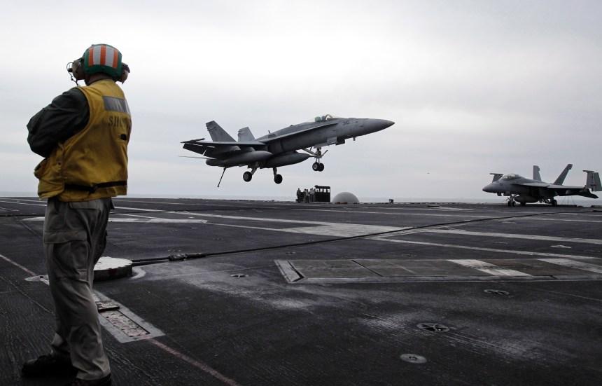 Iran: Washington envoie un porte-avions au Moyen-Orient