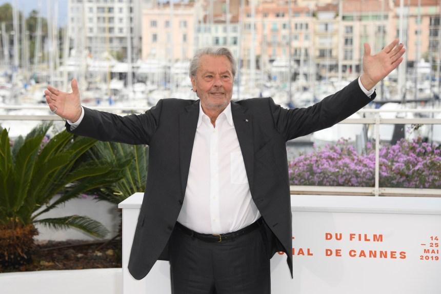 L'acteur controversé Alain Delon honoré à Cannes
