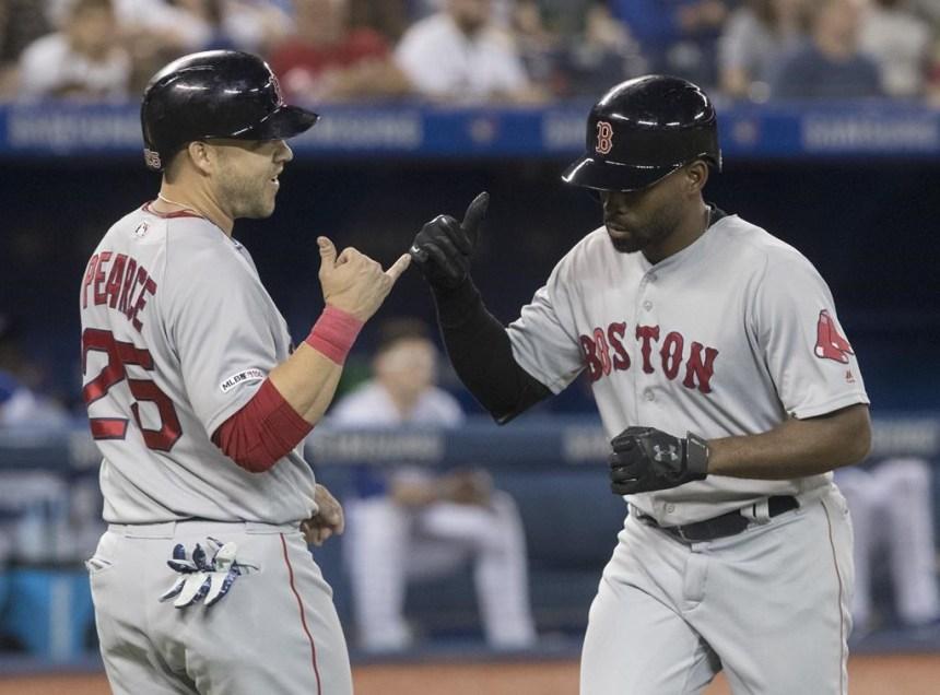 Les Red Sox frappent quatre circuits et malmènent les Blue Jays, 12-2