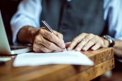 Les crédits d'impôt pour aînés sont «inefficaces», tranche une étude