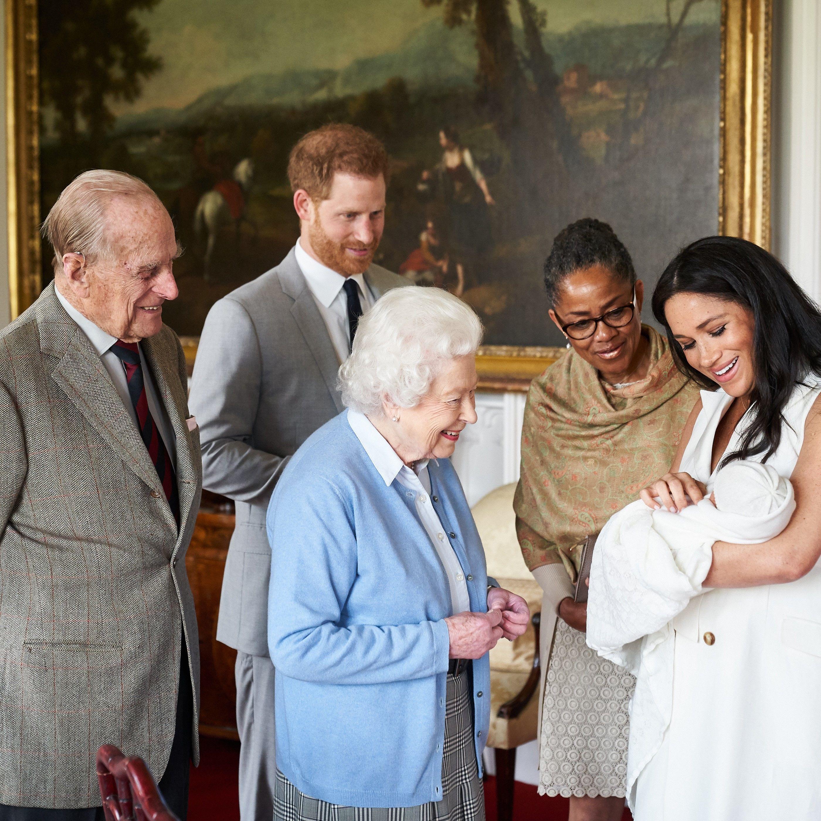 Le Prince Harry Et Son épouse Meghan Prénomment Leur Fils