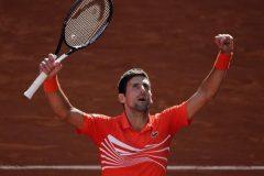 Djokovic gagne deux bris d'égalité contre Thiem et passe en finale à Madrid