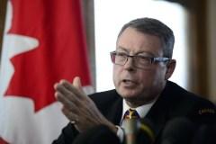 Le ministre de la Défense ne veut pas se mêler de la carrière de Mark Norman