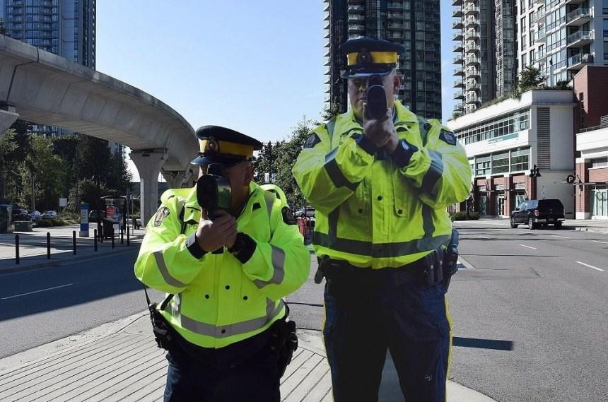 Des épouvantails policiers pour réduire les excès de vitesse