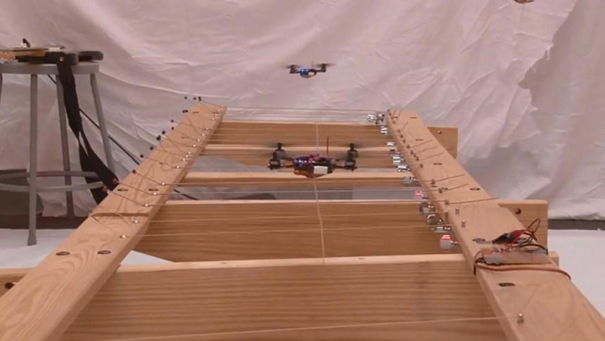 Des colonies de robots volants en mission pour vaincre des menaces terroristes
