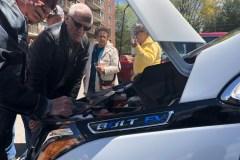 Une voiture électrique gratuite pour des aînés
