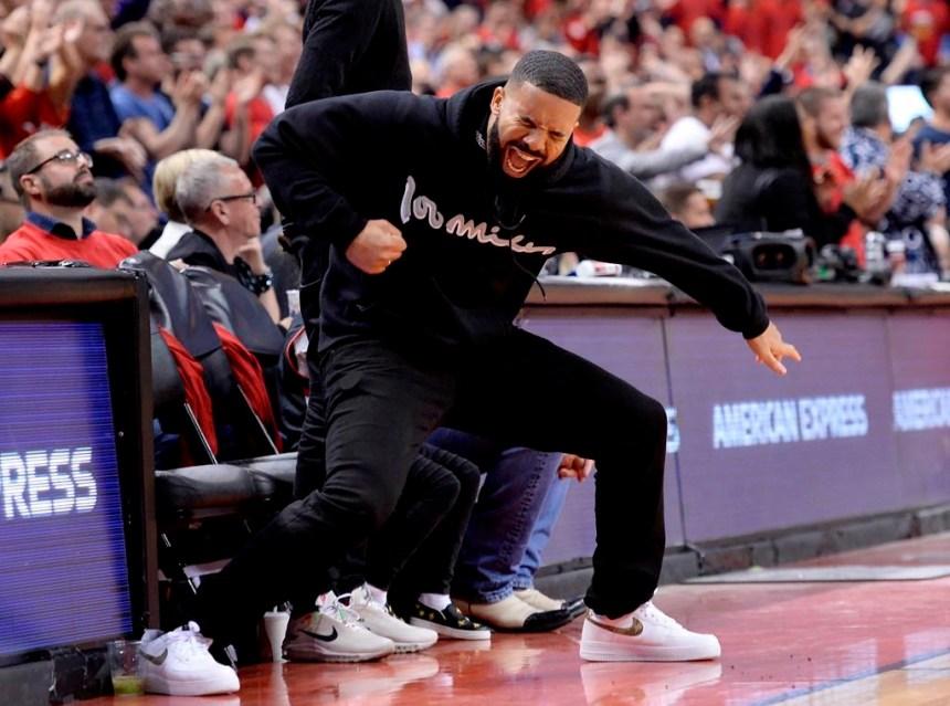 La NBA demande aux Raptors de contrôler un peu Drake lors des matchs