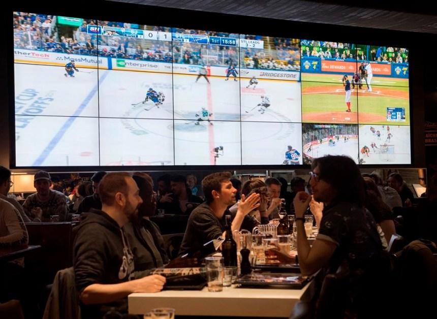 De nombreux bars ont refusé les hausses de tarifs de RDS et TVA Sports