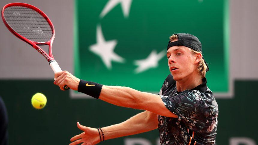 Denis Shapovalov poursuit son parcours et disputera les demi-finales à Stockholm