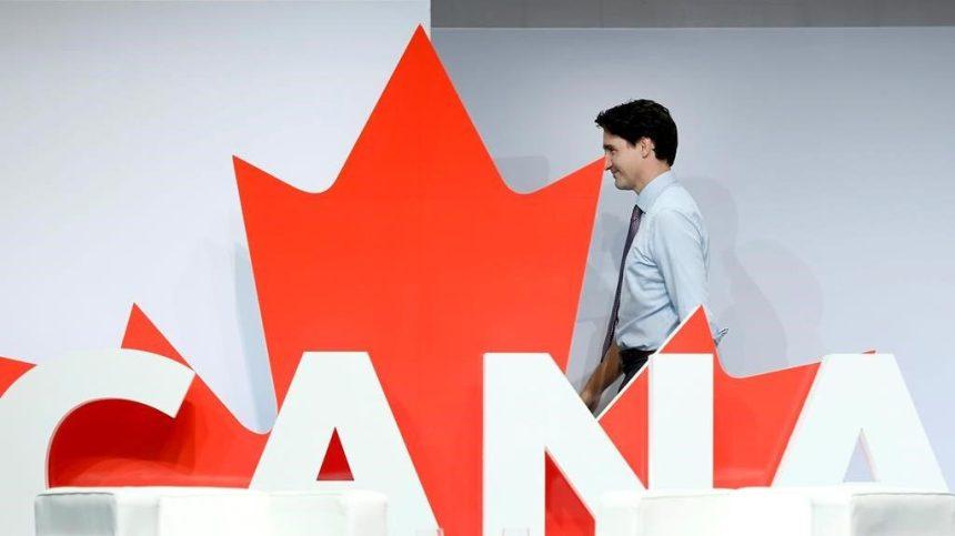 Les libéraux de Trudeau repassent en tête à l'approche des élections, selon un sondage