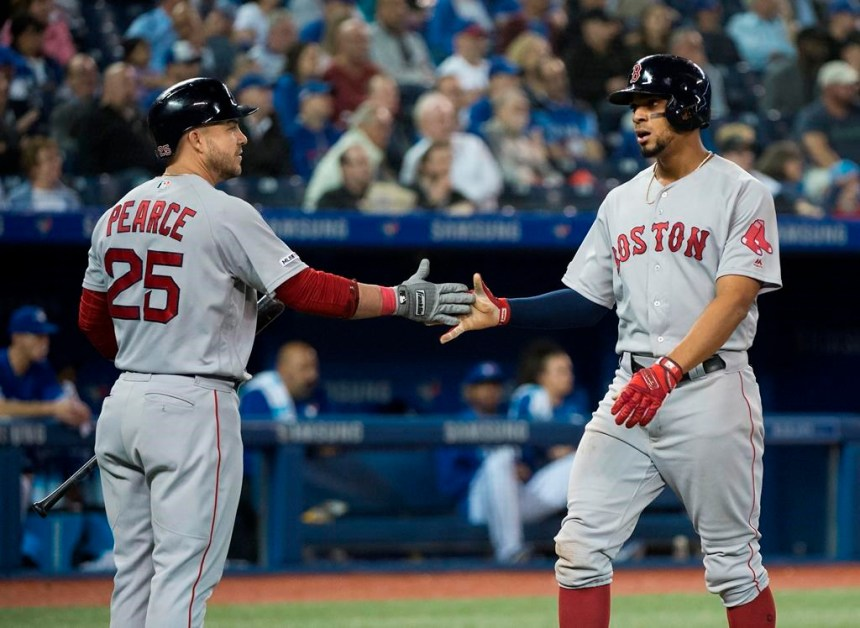 Les bâtons des Red Sox tonnent dans un gain de 8-2 aux dépens des Blue Jays