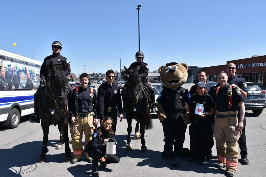 Pompier et policiers unis pour la cause à Saint-Léonard