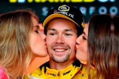 Ewan remporte la neuvième étape du Giro, mais Conti reste en contrôle