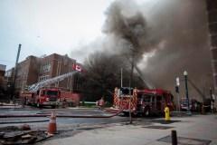 Une école de Toronto est la proie des flammes deux fois en 13 heures