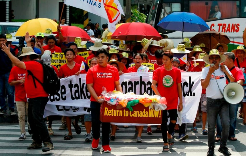 Duterte irait de l'avant pour rapatrier les déchets au Canada