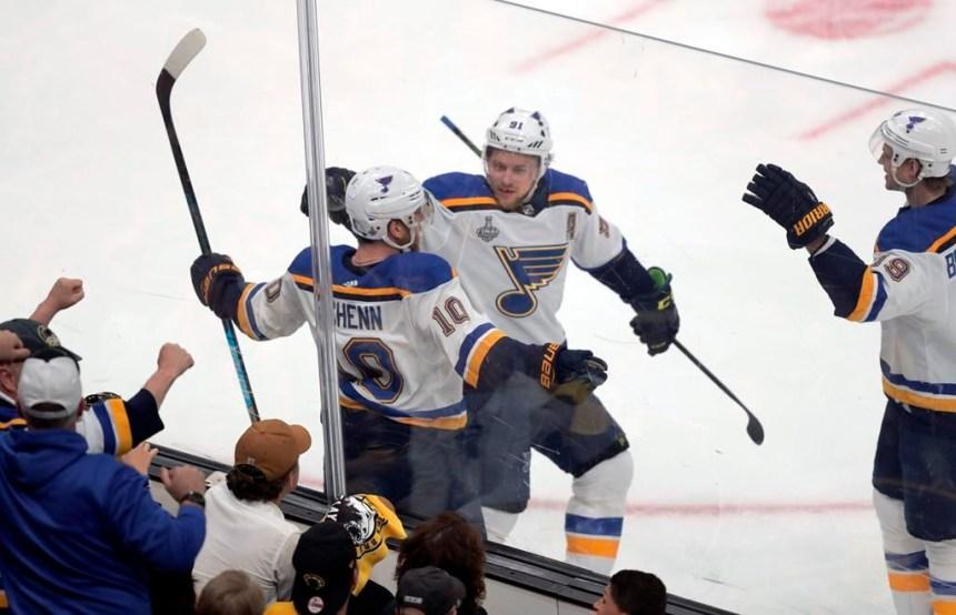 Les Bruins effacent un retard de deux buts et gagnent le premier match 4-2
