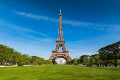 Évacuation de la tour Eiffel après une tentative d'escalade