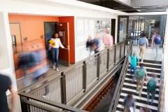 Ontario: un ado se disant victime de racisme poursuit un conseil scolaire