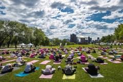 Du yoga philanthropique sur le mont Royal