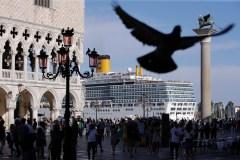 Manifestation à Venise pour interdire le passage des paquebots