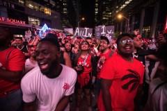 Un «Jurassic Park» à Montréal pour le cinquième match des Raptors
