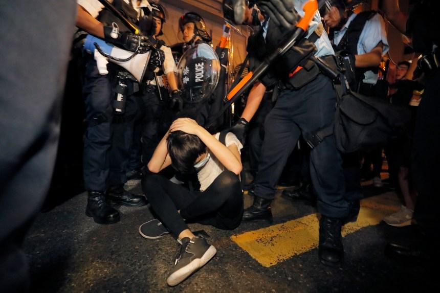 Les Hongkongais protestent massivement contre un projet de loi d'extradition vers la Chine