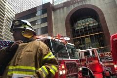 Un hélicoptère heurte un édifice à New York