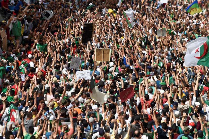 Algérie: premier vendredi de manifestations depuis l'annulation de la présidentielle