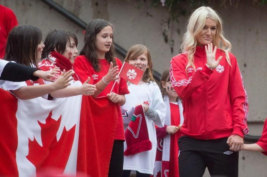 L'ex-joueuse de soccer Kaylyn Kyle reçoit des menaces de mort après avoir critiqué les Américaines