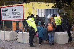 Des 45 000 migrants entrés de façon irrégulière, moins de 900 ont été expulsés