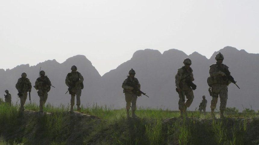 Nouveau dévoilement du cénotaphe commémorant les Canadiens morts en Afghanistan
