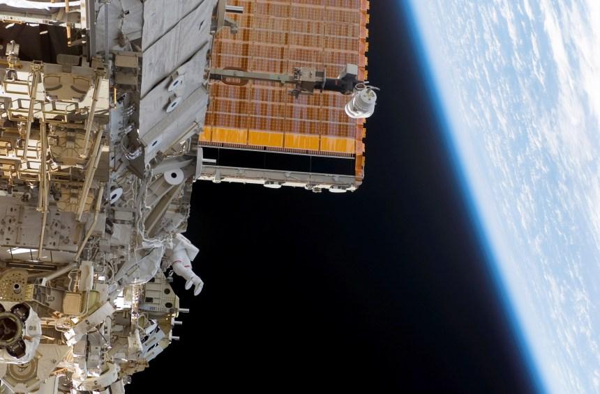 Une prochaine génération de satellites canadiens lancés la semaine prochaine