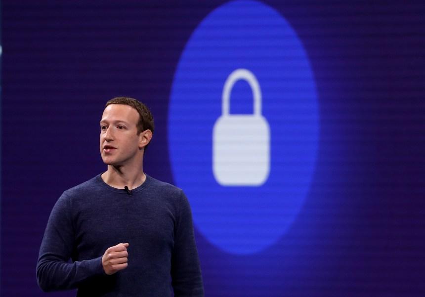 Données personnelles: Facebook dément que son patron ait sciemment négligé le problème