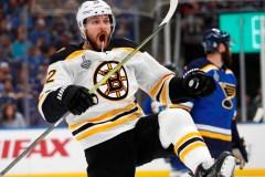 Les Bruins jettent une douche froide sur St. Louis et prennent les devants 2-1