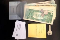 Les gens sont honnêtes et rendent un portefeuille perdu, selon une étude