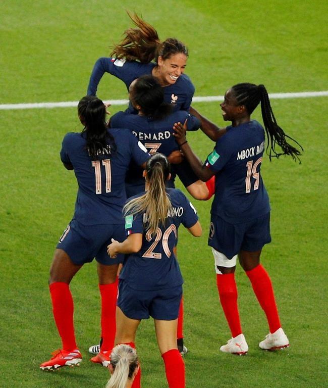 La France amorce la Coupe du monde de soccer féminin avec un gain de 4-0