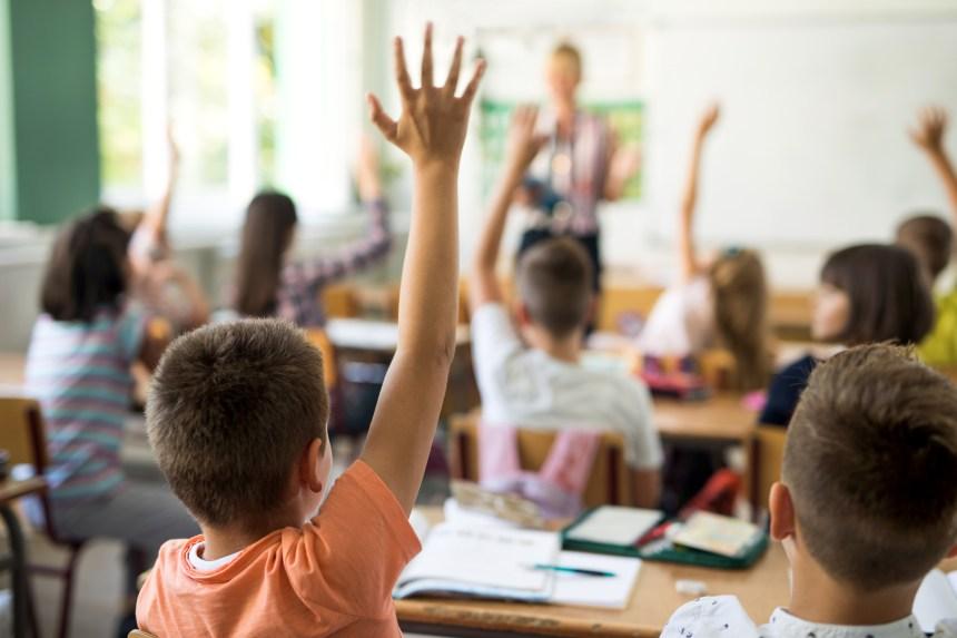 Un nouveau code vestimentaire non genré pour les écoles de Toronto