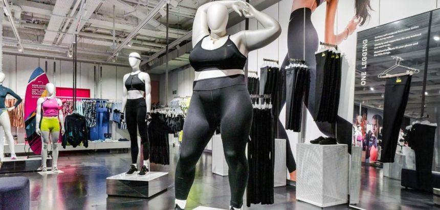 Nike installe un mannequin tailles plus dans son magasin à Londres