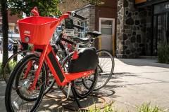Montréal sévira contre les vélos JUMP mal stationnés