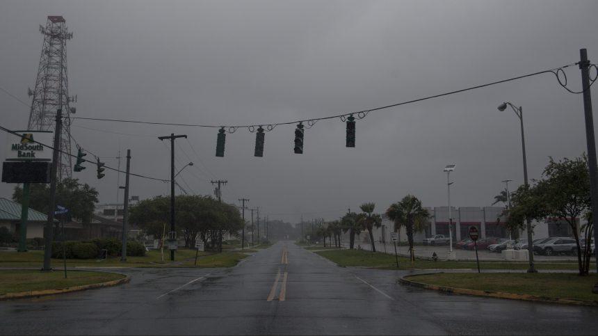 La tempête Barry devient un ouragan de catégorie 1