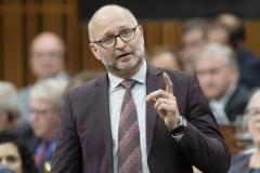 Ottawa demande aux provinces de l'aider à bannir les «thérapies de conversion»