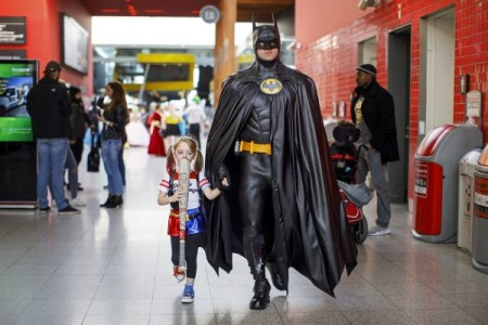 D'un sous-sol d'hôtel à Hollywood: le Comic-Con fête sa 50e édition